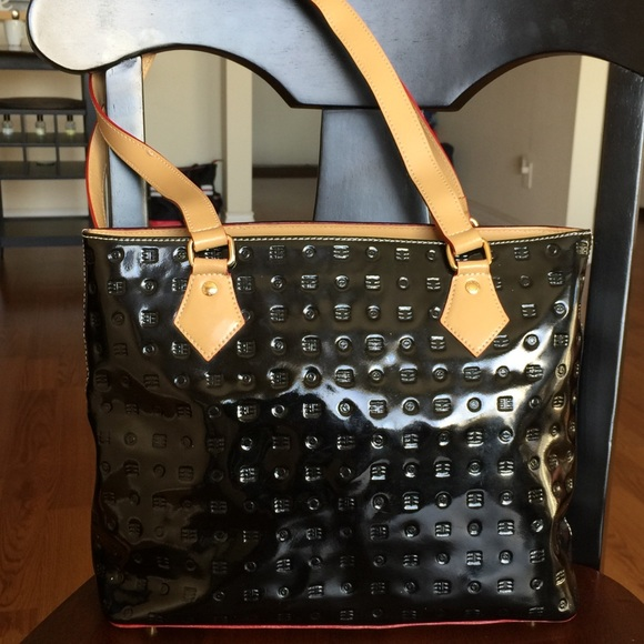 14e2021a6c7f Arcadia Handbags - Patent Leather Tote Shoulder Bag - Made in Italy